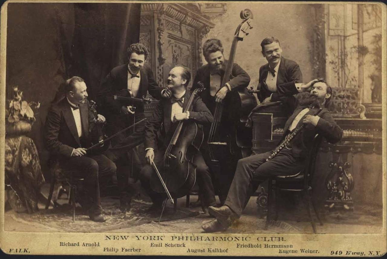9 ноября. Первый концерт Нью-Йоркского Симфонического оркестра.