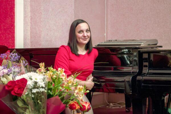 Мастер-класс по классу эстрадного вокала преподавателя Поляковой Натальи Александровны.